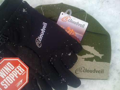 Cloudveil Two Trigger Gloves and Beanie