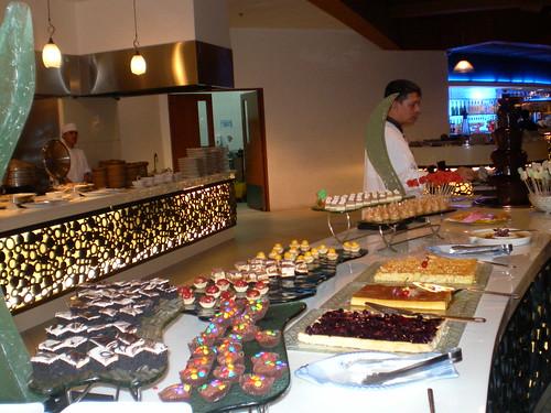 Ozeano Restaurant dessert station