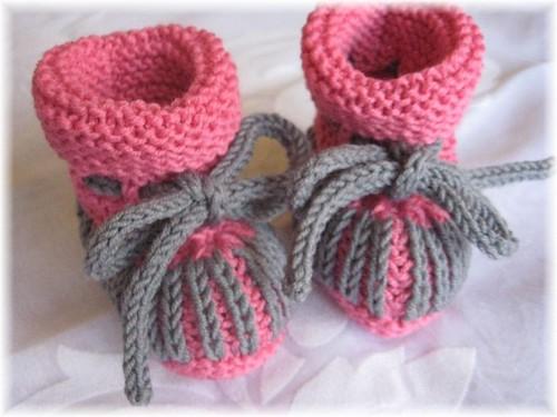 27-09 Booties Merino soft pink + graphit a von Ihnen.