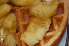 Buttermilk Waffle w/bananas