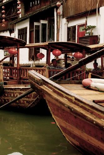 zhujiajiao gondolas