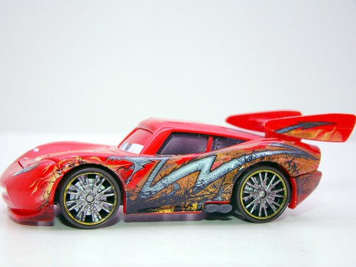 disney cars toon oil stained dragon mcqueen (4)