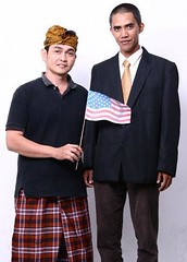 Gambar Anas Obama with his Friend