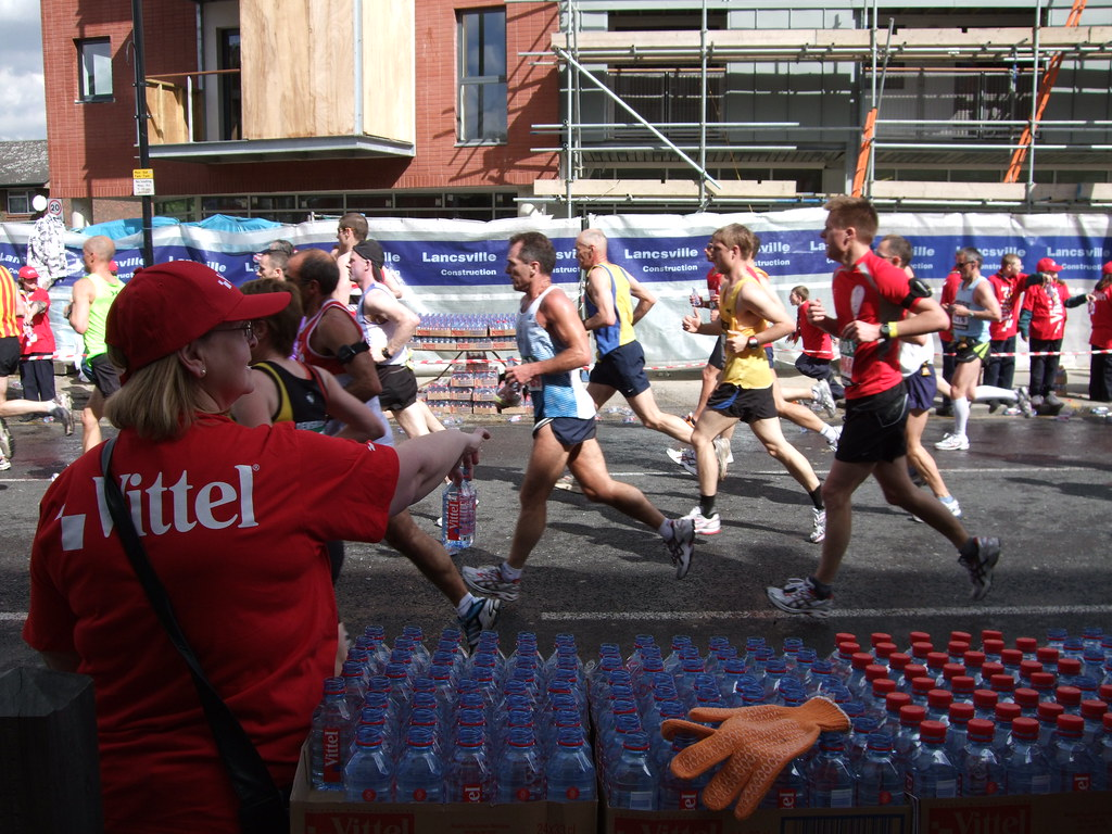 London Marathon 2009 water station