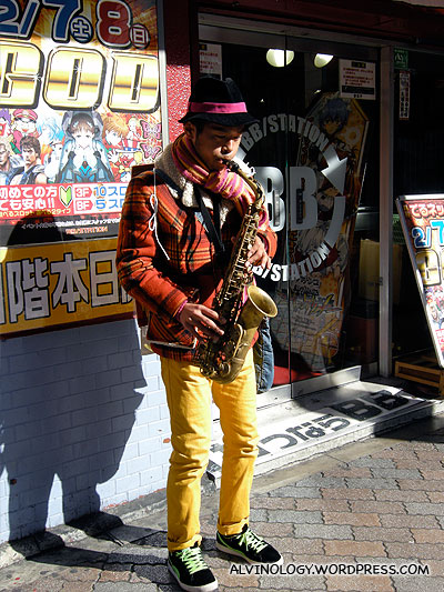 Another performer on the saxophone
