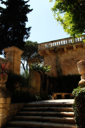 Stairs-San-Anton-Gardens
