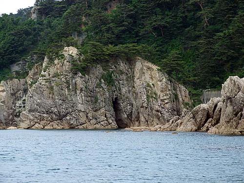 めがね(眼鏡)岩~笹川流れ