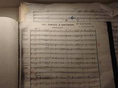 La partitura di Les Contes d'Hoffmann.