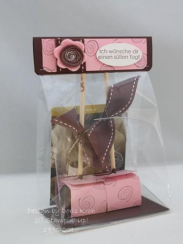 Kakao am Stiel verpackt