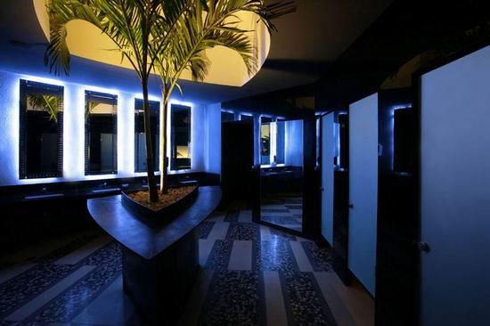 17 Nisha Acapulco - Men Restroom Design