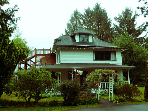 The Cullen House, Forks, WA (by cloudsoup)