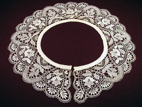 1870's-Lace-Collar