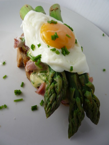 Gammon Hock, Asparagus , Poached Egg, Chive Mayonnaise on Walnut Bread
