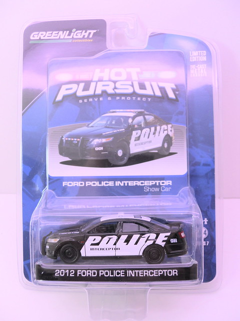greenlight hot pursuit  2012 ford police interceptor show car  (1)