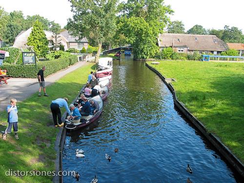 Las barcas eléctricas de Giethoorn
