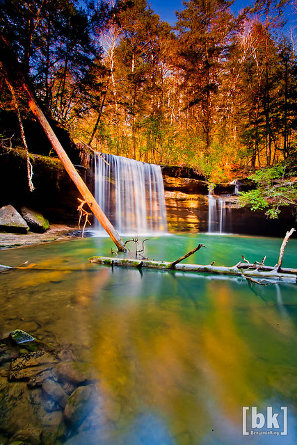 Fall Colors at their peak at South Caney Falls