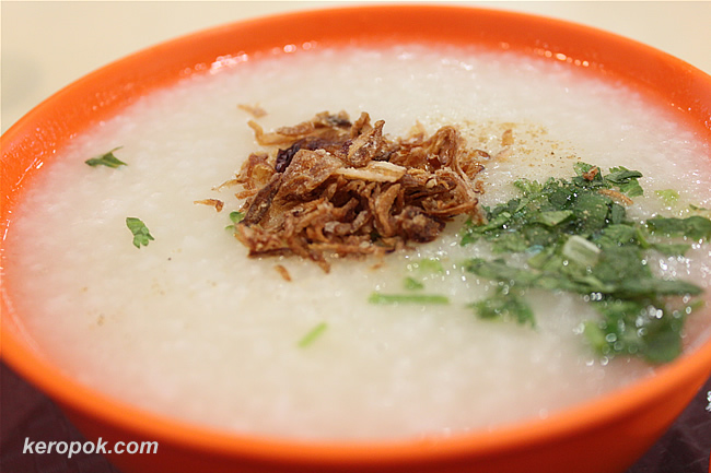 Porridge with little bit of toppings