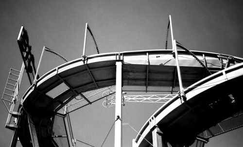 Roller Coaster. (Kodak Plus-X 125. Nikon F100. Epson V500.)
