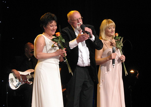Kirstin Campbell, Roger Whittaker and Angie Horn