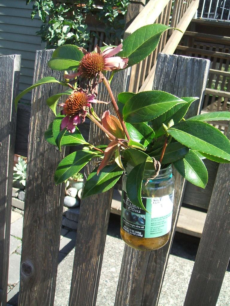Gate vase (olive jar)