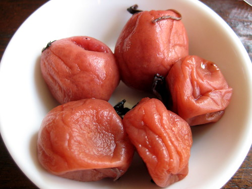 Salted plums 梅干
