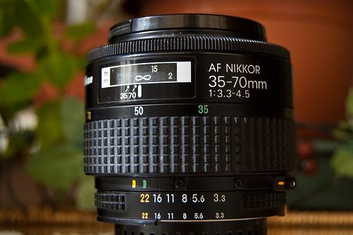 AF Zoom Nikkor 35-70mm f/3.3~4.5S MACRO MK I (I)