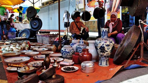 old things Gaya Street sunday market.