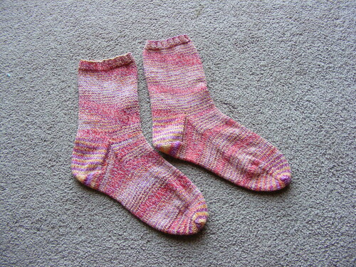 Summery Socks - knit from Tofutsies