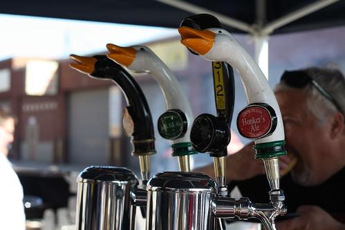 goose taps
