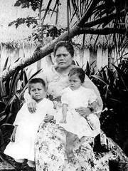 Ninana, 1902