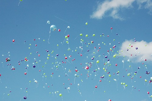 Alle ballonnen gingen de lucht in