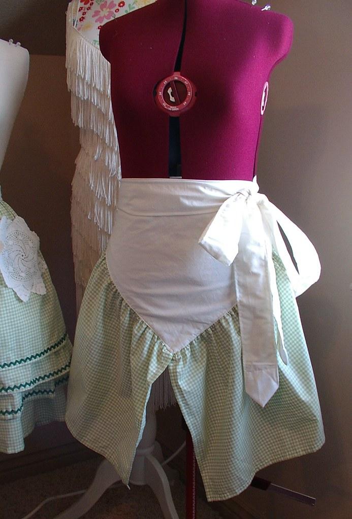 triangle apron