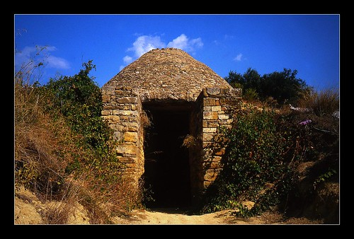 A Mycenaean Tomb. Mycenae of Greece followed in the Minoan footsteps to became the next great Bronze Age civilization. Image Credit - Franz St.