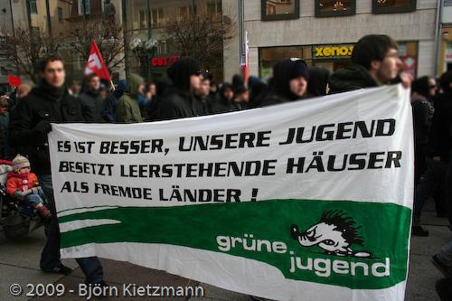 Jung-Grünes Banner in Erfurt
