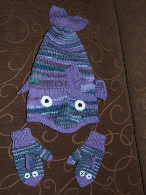 R's Fish Hat with mittens