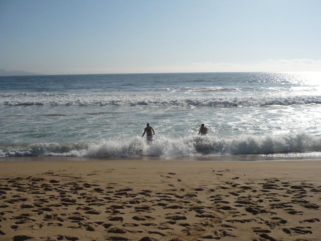 Primer bañito en el Pacífico