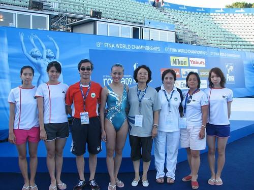 720中國花泳部部長俞麗,在賽後與澳門花泳隊合照