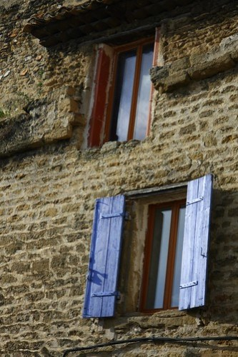 Wandering the hilltowns of Chateauneuf de Pape France
