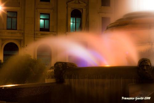 Fontana di Piazza Ebalia, Notturno