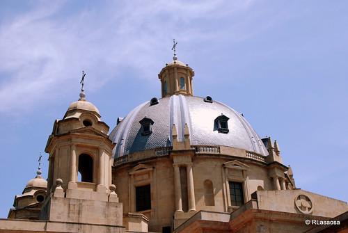 Cúpula del llamado «Monumento a los Caídos», situado en la Plaza del Conde de Rodezno, al final de la Avenida de Carlos III