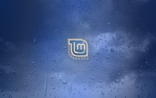 Linux Mint - Blue Water Droplets