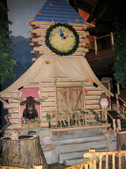 The must do an animatronic show here at the Great Wolf Lodge