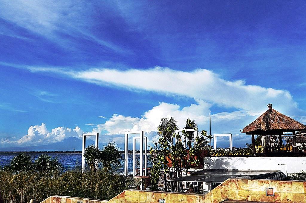 beach & blue sky