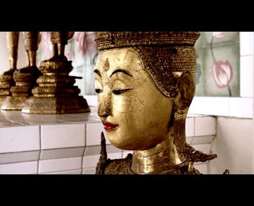 Buddha from Kek Lok Si temple, Cinema-ised