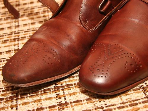 Schoenen half smerig