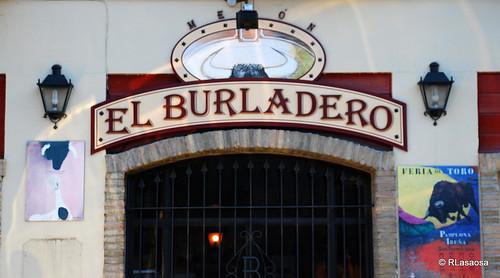 El Burladero - Bar Restaurante - Calle Emilio Arrieta, 9. Pamplona