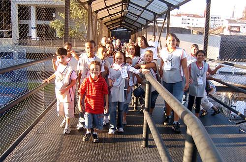 Crianças do projeto Arte Cidadania na UniSantAnna