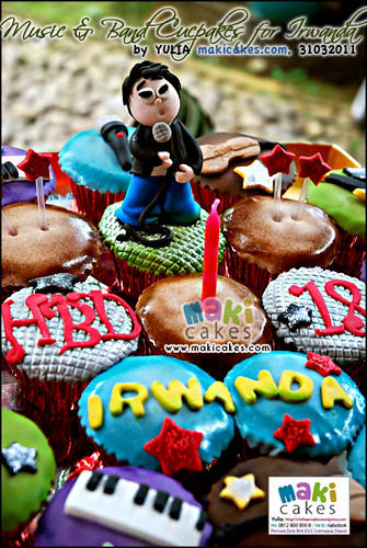 Music & band Cupcakes for Irwanda_ - Maki Cakes