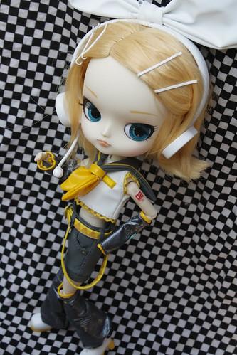 147/365 Vocaloid Rin
