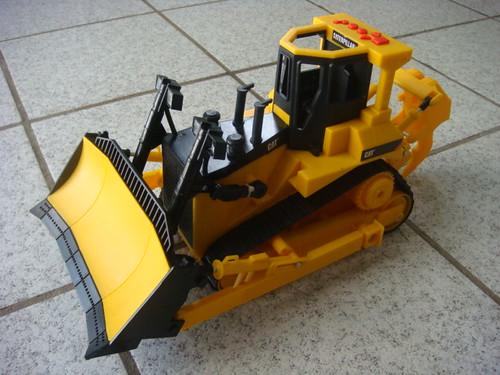 Kai's tractor - 2nd Xmas
